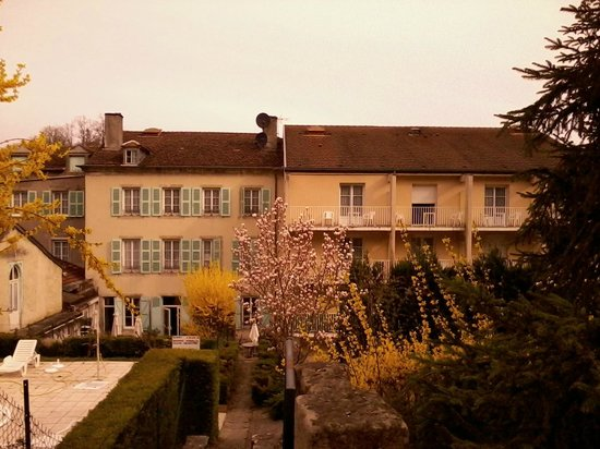 Hotel d'Orfeuil : Back of the hotel...