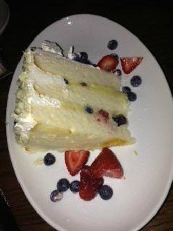 Biscotti's: Amazing cake!