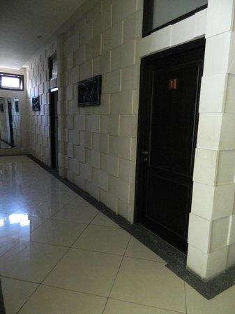 Anika Guest House: Corridor
