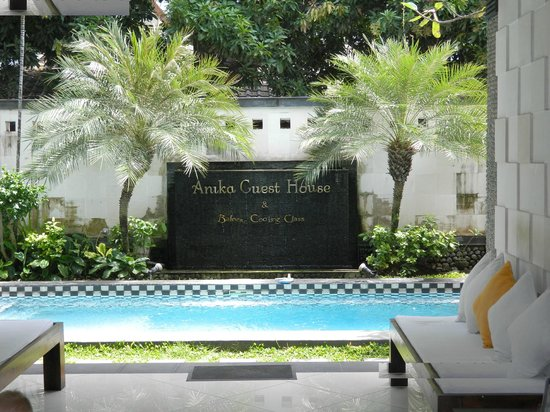 Anika Guest House: Pool