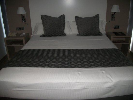 Hotel Cartagonova : Cama