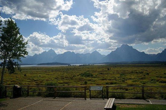 Jackson Lake Lodge: View of Willow Flats and the Tetons from the lodge