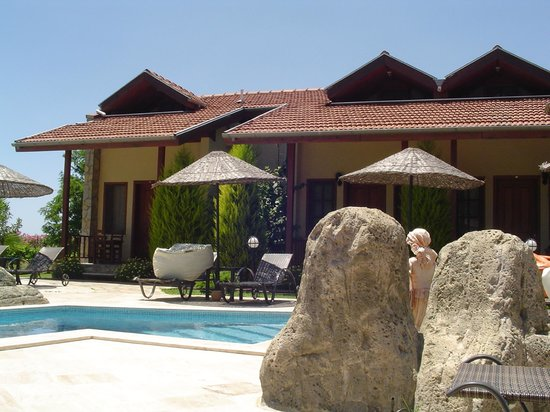 Hotel Grenadine Lodge: Poolside rooms