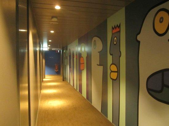 corridor picture of generator berlin mitte berlin. Black Bedroom Furniture Sets. Home Design Ideas