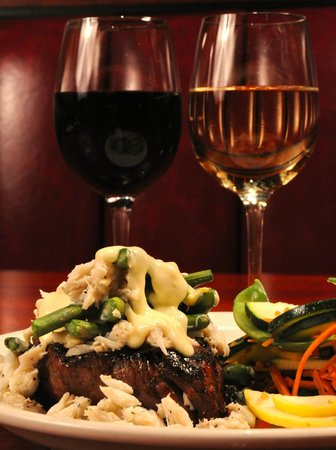 JB Dawson's Restaurant & Bar : FILET OSCAR