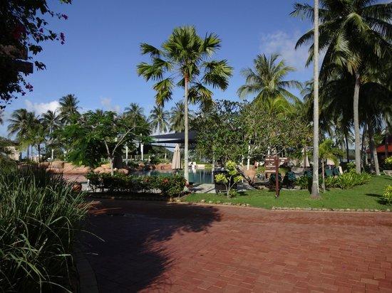 เมอริทัส เปอลังงี บีช รีสอร์ท แอนด์ สปา ลังกาวี: ホテル敷地