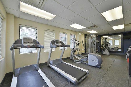 Hampton Inn East Aurora: Fitness Center