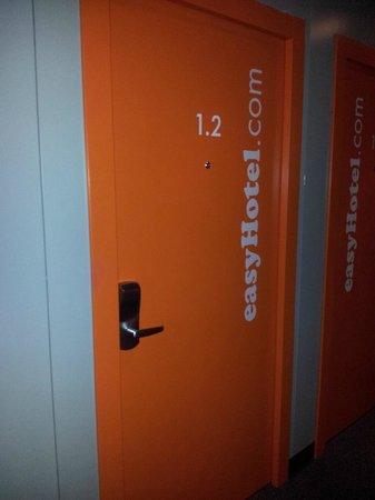 iStay Hotel Porto Centro: Entrada habitación