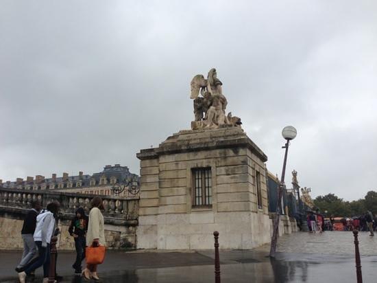 Hotel Le Versailles : palace de versailles gate
