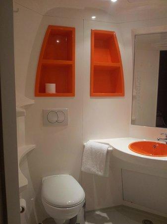 iStay Hotel Porto Centro: Baño