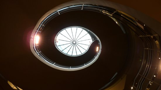 Rubin Museum of Art: spiral staircase