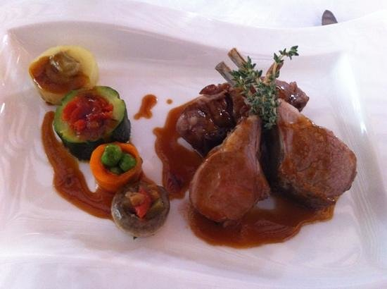 Auberge de Cassagne : superb lamb and vegetables