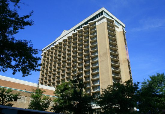 eingang picture of holiday inn rosslyn key bridge. Black Bedroom Furniture Sets. Home Design Ideas