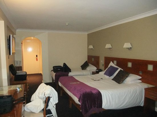 Imperial Hotel Galway: rather large room