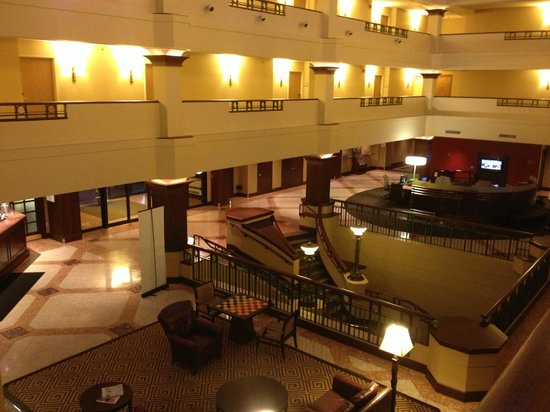 Sheraton Suites Akron Cuyahoga Falls Check In And Lobby