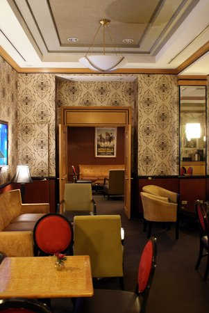 Hotel Metro: Lounge/Breakfast Room