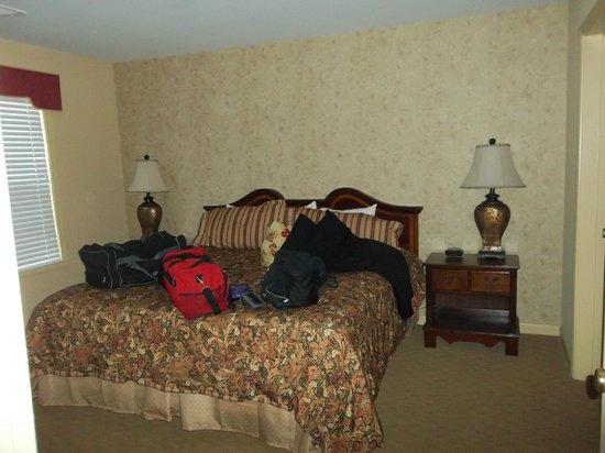 The Colonies at Williamsburg Resort: Master bedroom