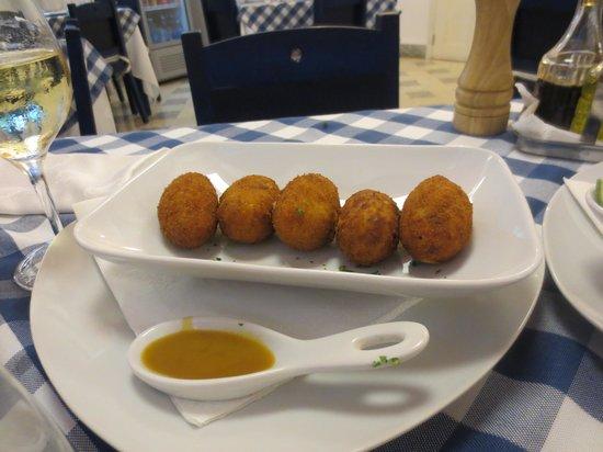 Mediterraneo Havana: Croquetas de pescado