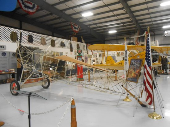 Warhawk Air Museum: Airplanes