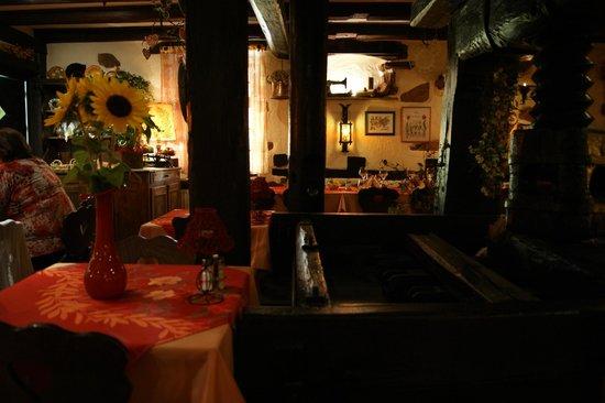 Au Caveau du Vieux Pressoir : Vue intérieure