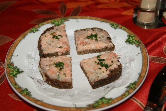 Au Caveau du Vieux Pressoir : Mise en bouche (au saumon)