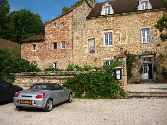 Domaine de Moulin Madame : Front of the house