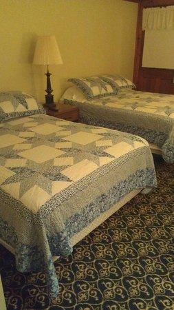 Betty Doon Hotel: Room 2.