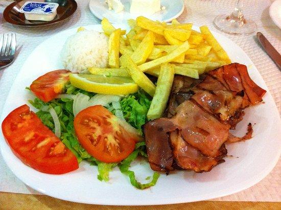 Restaurante O Roberto: Beef with bacon