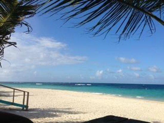 Playa Flamenco: Cristal Clear Water