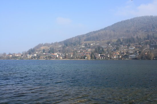 Wellness Pension Bergsee: Blick auf den Tegernsee