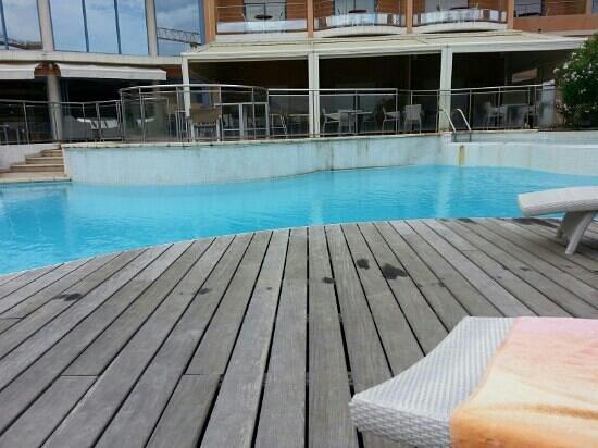 Hotel Regina : la piscine .....pour ma part c'est sale