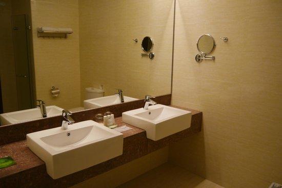 Ixora Hotel Penang: Restroom