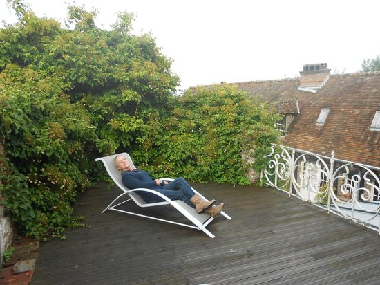 le logis de gerberoy : calme sur la terrasse