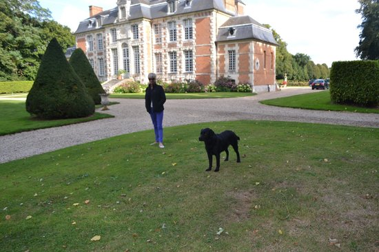 Chateau de Saint Maclou la Campagne: With the owner's lovely black labrador