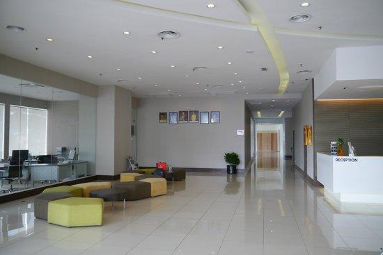 Ixora Hotel Penang: Entrance view 4