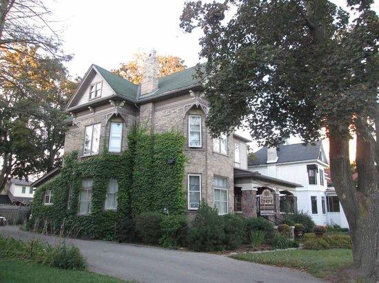 Frederick Street Inn : Exterior