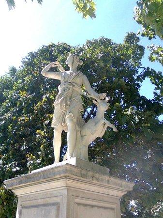 Classical sculpture picture of jardin des tuileries - Statues jardin des tuileries ...