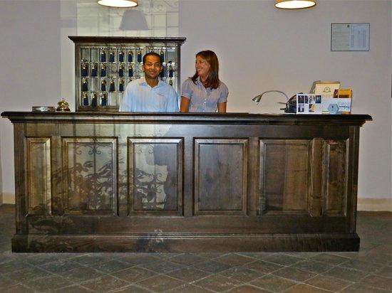 Palazzo Piccolomini : Service Desk