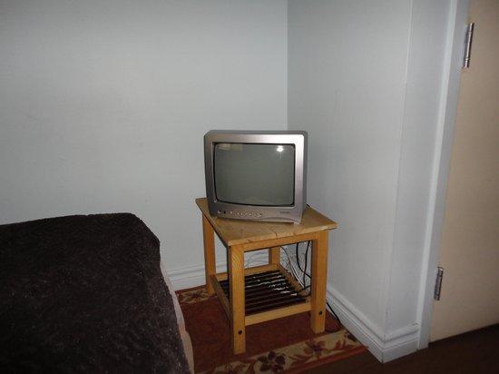 Hotel Montreal Espace Confort : Habitacion nº405 muy pequeña