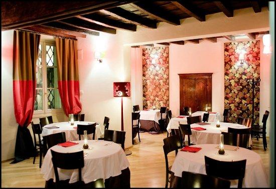L 39 entrata del ristorante in via vezzani picture of la for Restaurant reggio emilia