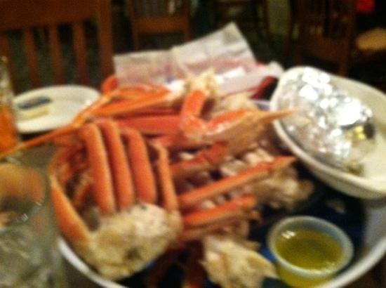 Paul's Steakhouse and Seafood: Snow Crab Legs!