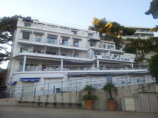 Hôtel de la Plage Mahogany : Hotel from Same Same Beach
