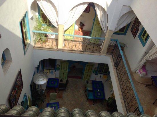 Riad Les Lauriers Blancs : Vue sur la cour du Riad