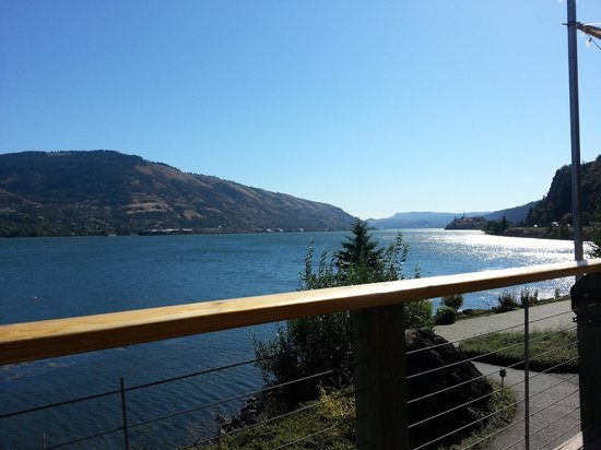 BEST WESTERN PLUS Hood River Inn: View at Breakfast