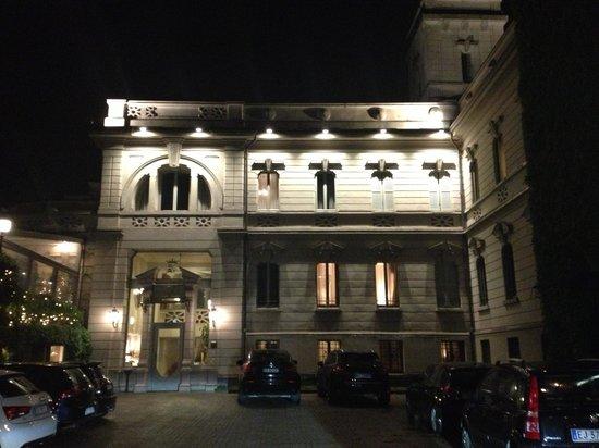 Albergo Terminus Hotel: Exterior of this grand hotel
