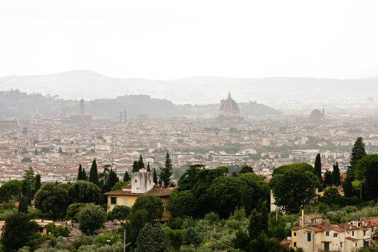 Villa Gamberaia: View of Florence