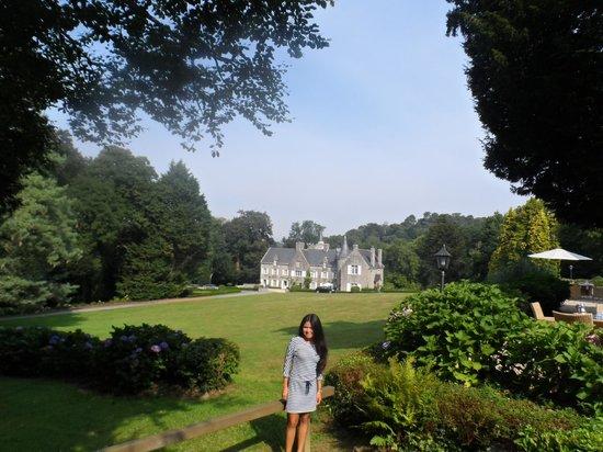 Chateau-Hotel Manoir de Kertalg : Hotel grounds