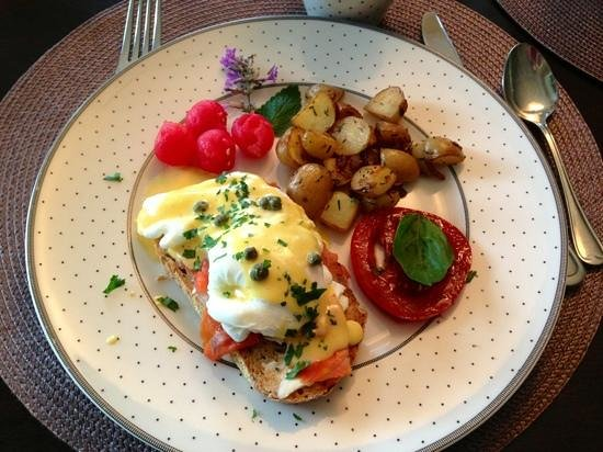 Stone Wood Bed and Breakfast : amazing locally sourced breakfast