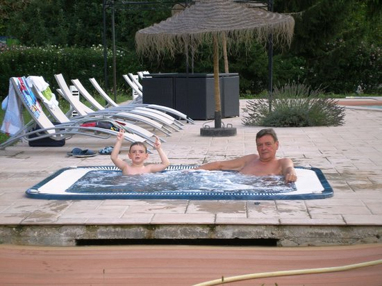 Hotel Brasserie Lacave: Jaccuzi