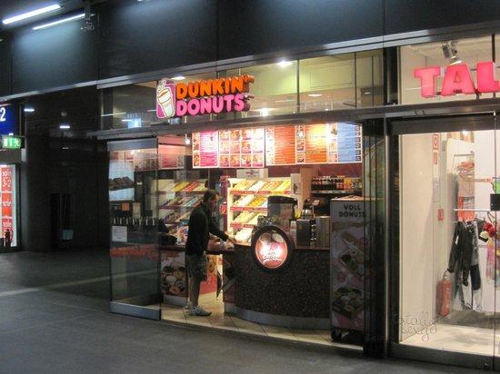 donuts picture of dunkin 39 donuts berlin tripadvisor. Black Bedroom Furniture Sets. Home Design Ideas